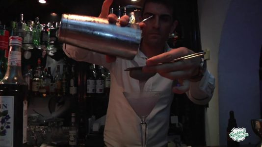 Speakeasy (Fuengirola) en el capítulo 1x02 de Cocktail Route